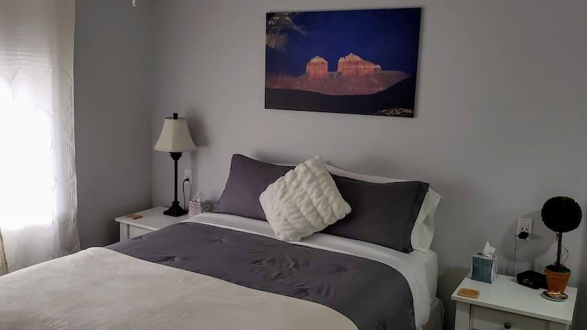 Peaceful Nest Sedona ~ queen bed & private bath!