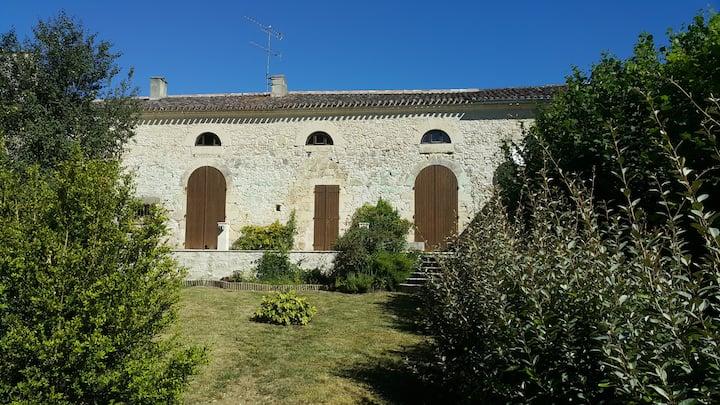 Charming Gascon House with Garden in La Romieu