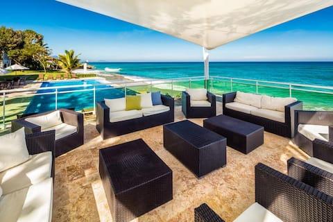 Beach Penthouse, Covid Friendly Condominium