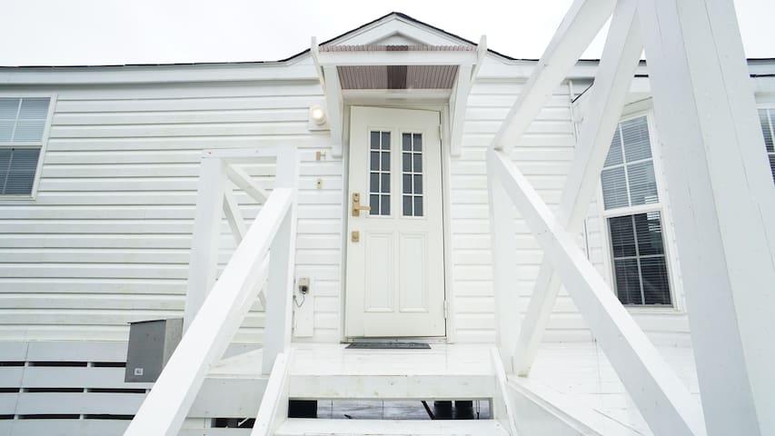 【コテージハウス龍球】家具家電完備!北部の観光スポットへのアクセス良!カップル・家族・長期向け