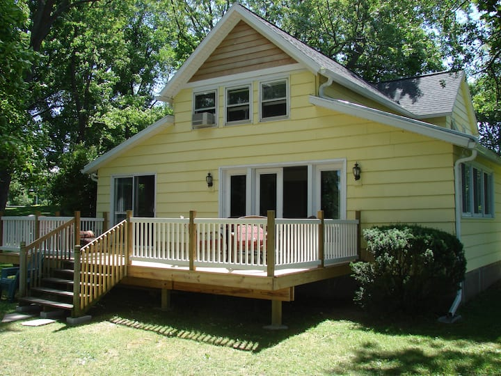 Canandaigua Lakefront Vacation Home!!