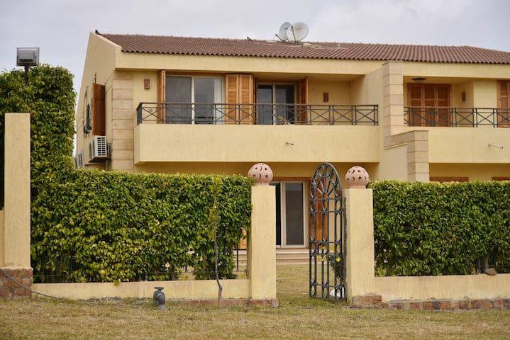 Luxurious Villa with Garden & Golf