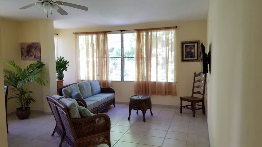 Mirage Musseau Apartment/Villas 3 bedroom/chambre