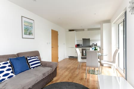 Lifestyle  Apartment + Balcony in Greater London