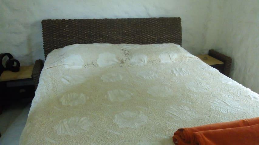 Habitacion en casalote con baño privado y aire - Santa Marta (Distrito Turístico Cultural E Histórico) - Casa