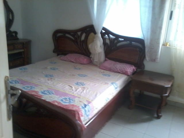 Private rooms available - Accra - Leilighet