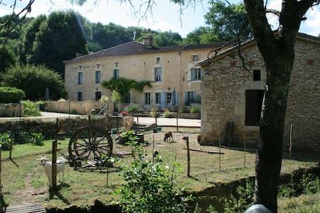 La Minoterie, gîte de charme dans un ancien moulin - Gavaudun