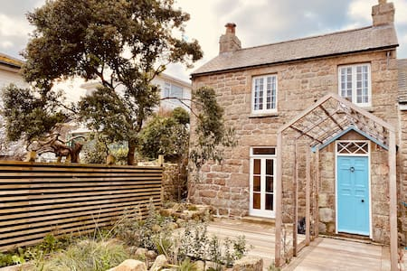 Newly Renovated 2-Bed House on Isles of Scilly