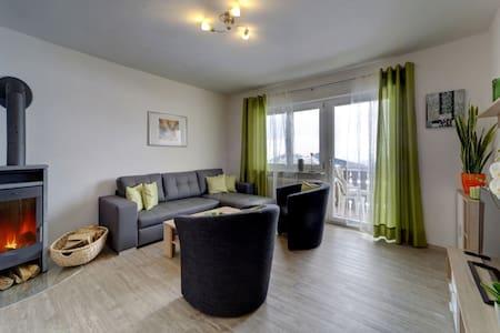 Neue 130qm Wohnung 8 Personen im bayerischen Wald - Lägenhet