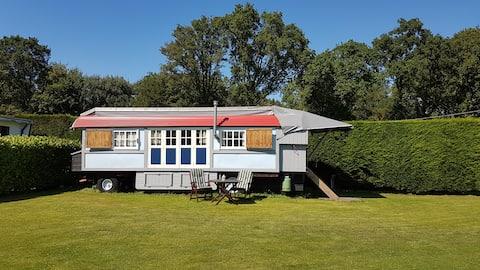 Zigeunerwagen in Oostvoorne met privé-sanitair!