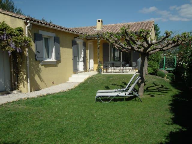 Comme à la maison! Villa de 110 m2 avec piscine - Montfaucon