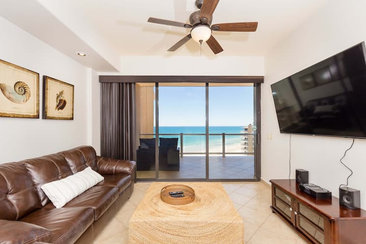 Ocean Front 2 Bed 2 Bath:  Stunning Sunset Views