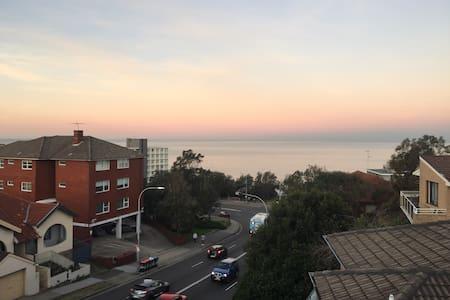 Ocean view room with Balcony Bondi - Bondi - Huoneisto