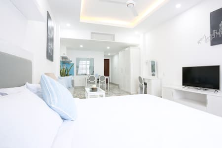 New! Boutique Apartment in Center- Balcony - Ho Chi Minh