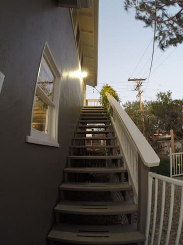 1 Bed 1 Bath Studio with kitchen - Dana Point - Apartemen