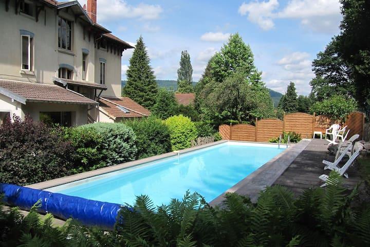 Magnifique demeure avec piscine à Vecoux