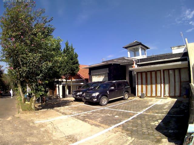 Semesta Studio Villa Resor Dago Pakar