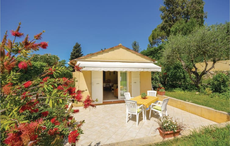 Holiday cottage with 2 bedrooms on 65m² in Mougins