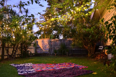 Comfy North Burleigh Beach House - マイアミ
