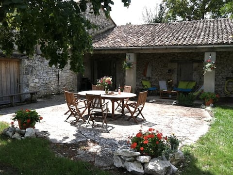 Le Grindoux - Charming Farmhouse near town
