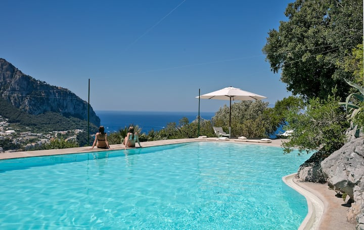 Villa Douglas - Stunning Villa with Exclusive Pool