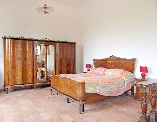 APARTMENT IN OLD CELLAR IN CHIANTI /HOLIDAY HOME. - Монтеспертоли - Квартира