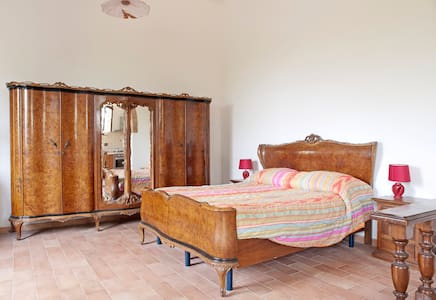 APARTMENT IN OLD CELLAR IN CHIANTI /HOLIDAY HOME - Montespertoli - Wohnung
