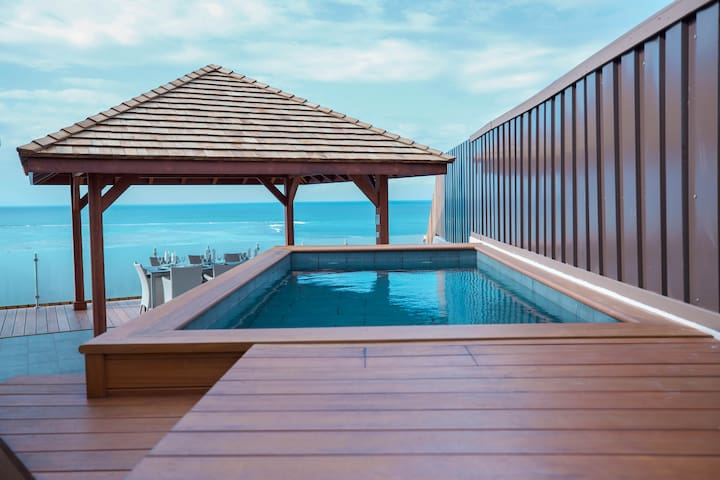 The Ultimate Penthouse - 4 BED-POOL-SPA with view