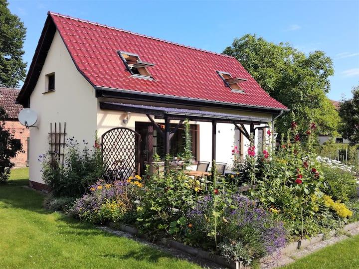 Ferienhaus am Schwarzer See mit großem Garten