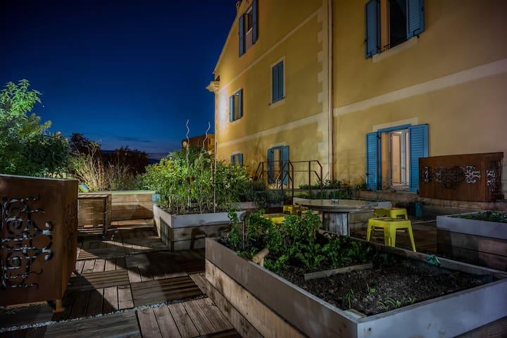 Bastia: Un séjour convivial avec service hôtelier!