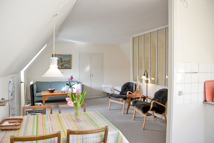 Nr. 1: Lejlighed til 2 i centrum af Svaneke