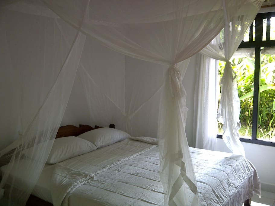 Bedroom,,King size bed