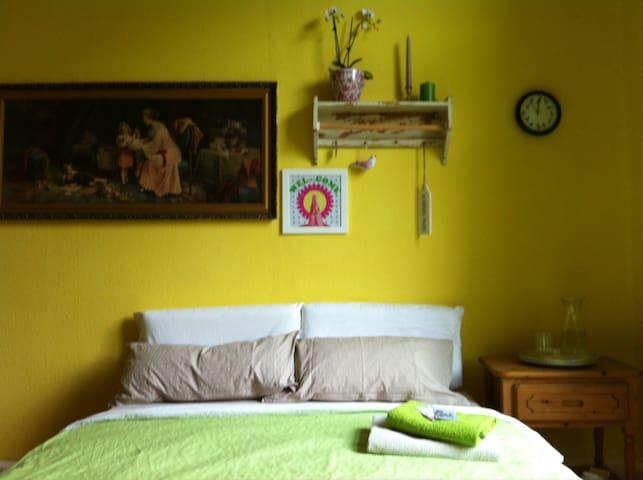 The birds´ voice room - Cassel - Bed & Breakfast