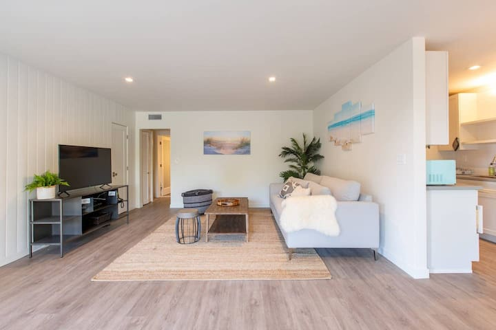 Amazing Malibu Surf Club Beach Apartment #6467