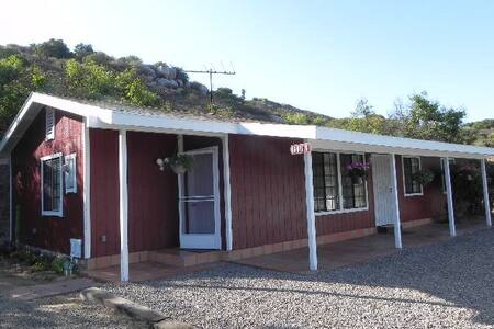 Private Serene Home in The Temecula Hills! - Temecula - House