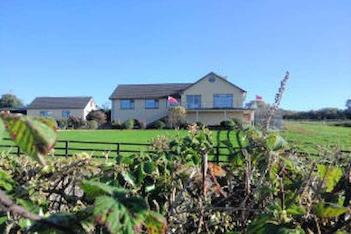 La Mirage B&B, Ballylickey, Bantry  - Cork - Bed & Breakfast