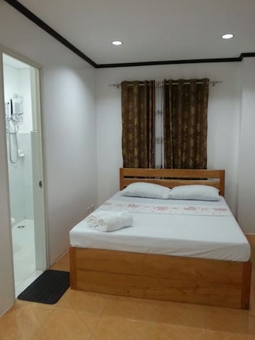 PETROS HOMESTAY ROOM1 - Coron - Bed & Breakfast
