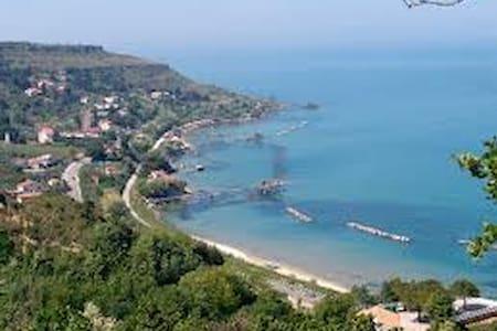 Beautiful Home  in Rocca San Giovanni - Rocca San Giovanni - 独立屋