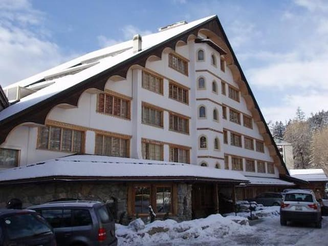 4*** hotel apartment with pool! - Crans-Montana - Lägenhet