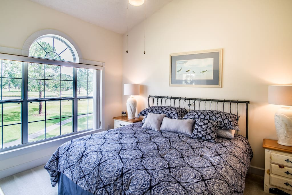 Master Bedroom w/King Swing (or 2 Twin Beds)