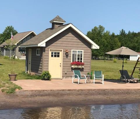 3 BR Home with Sauna on Portage Lake