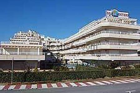 Alquiler de estudio ático - Alcalà de Xivert - Apartemen