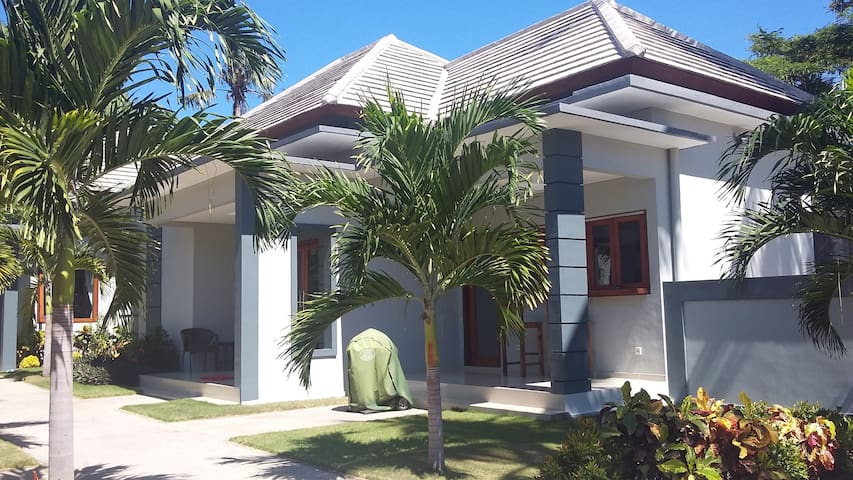 Tunjung Sari 1 - 2 bedroom family  Bungalow 1 of 3