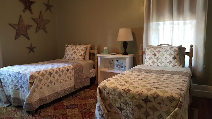 Sandpatch Room at Yoder's Guest House