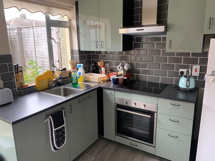 Private Clean Single Room 4km from Dublin Centre