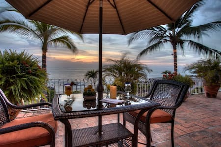 Beautiful beachfront Villa Celeste