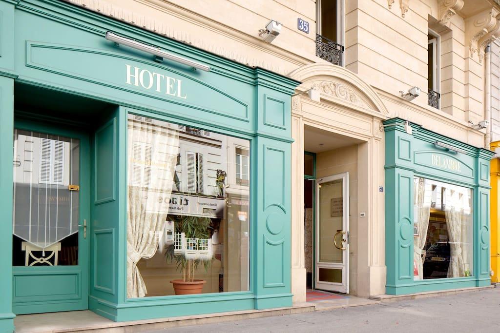 boutique hotel in montparnasse bed breakfasts for rent in paris le de france france. Black Bedroom Furniture Sets. Home Design Ideas