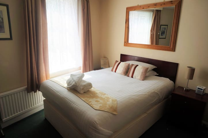 Greyfriars Lodge - Standard Double Room