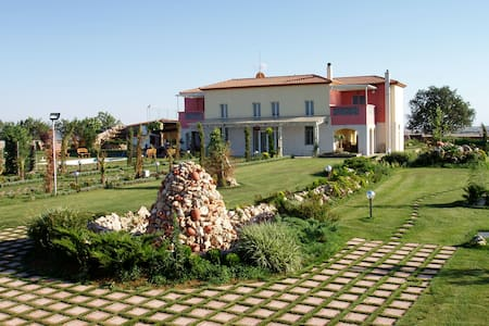 Villa with beautiful courtyard in Kilkis suburbs - Kristoni
