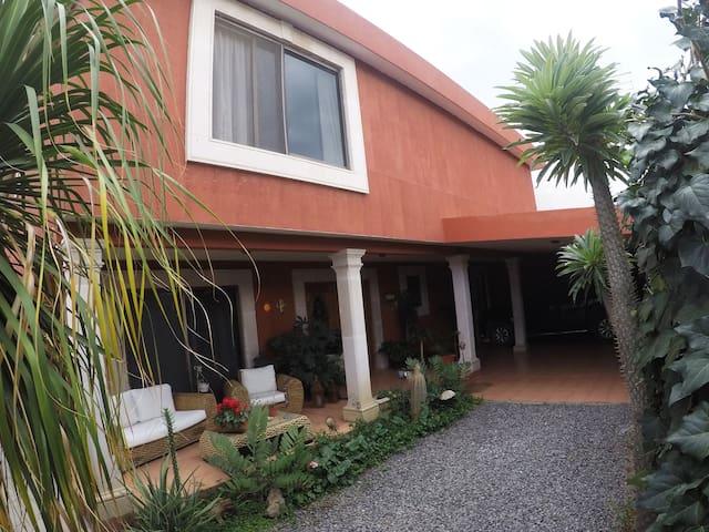 Rebeca's Place, Habitación #2